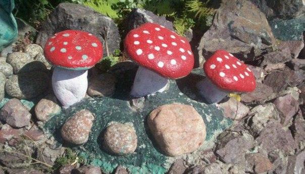 Украшаем свой сад расписными камнями