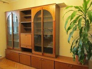 Как обновить старую мебельную стенку